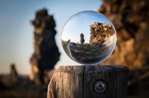 glass-ball-1746506_640